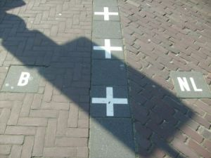 Another Border line from Baarle-Nassau. And this time this line is on a footpath!